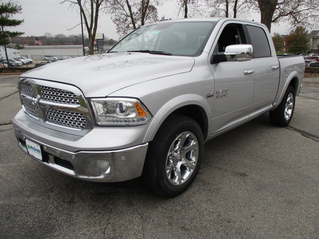 2018 Ram 1500 Crew Cab 4x4, Pickup #D180188 - photo 4