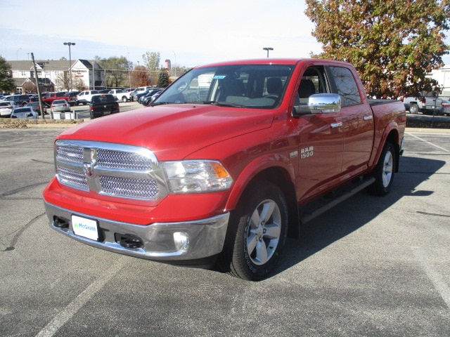 2018 Ram 1500 Crew Cab 4x4, Pickup #D180194 - photo 4