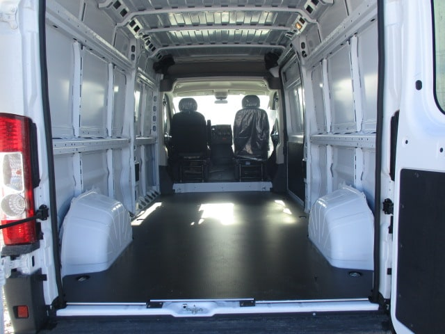 2018 ProMaster 2500 High Roof, Cargo Van #D180343 - photo 2