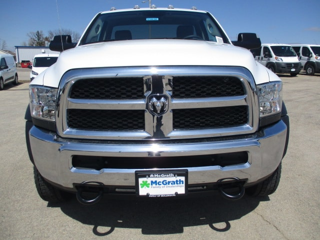 2018 Ram 4500 Regular Cab DRW 4x4,  Cab Chassis #D180396 - photo 3