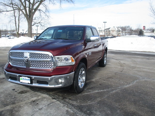 2018 Ram 1500 Crew Cab 4x4, Pickup #D180457 - photo 3