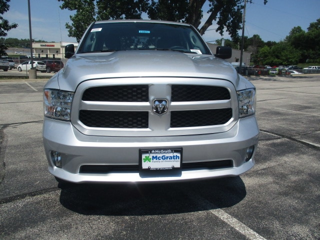 2018 Ram 1500 Crew Cab 4x4,  Pickup #D180953 - photo 3
