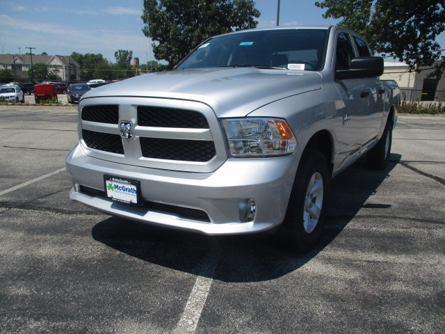 2018 Ram 1500 Crew Cab 4x4,  Pickup #D180953 - photo 4