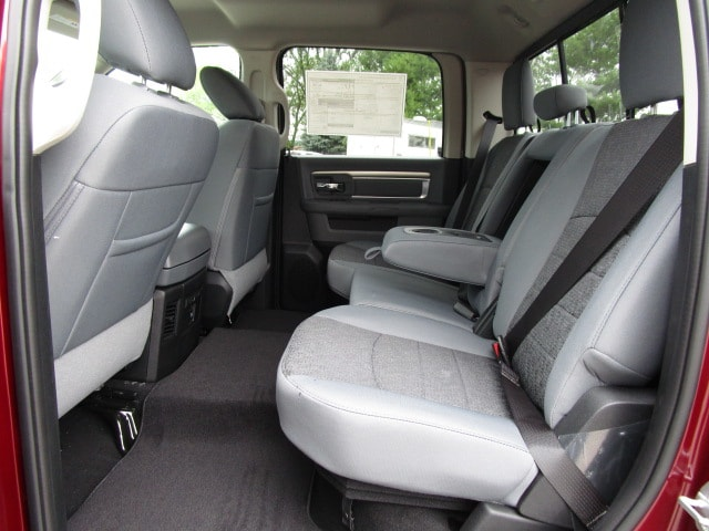2018 Ram 1500 Crew Cab 4x4,  Pickup #D181042 - photo 14