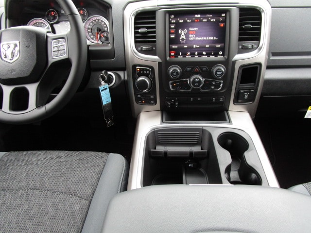 2018 Ram 1500 Crew Cab 4x4,  Pickup #D181042 - photo 15