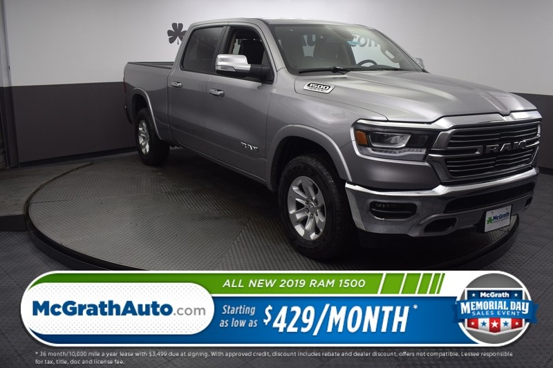 2019 Ram 1500 Crew Cab 4x4, Pickup #D190040 - photo 1