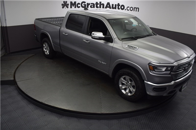 2019 Ram 1500 Crew Cab 4x4, Pickup #D190040 - photo 3