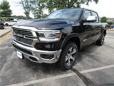 2019 Ram 1500 Crew Cab 4x4,  Pickup #D190061 - photo 4