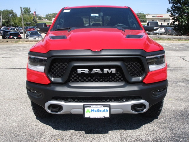 2019 Ram 1500 Crew Cab 4x4,  Pickup #D190150 - photo 3