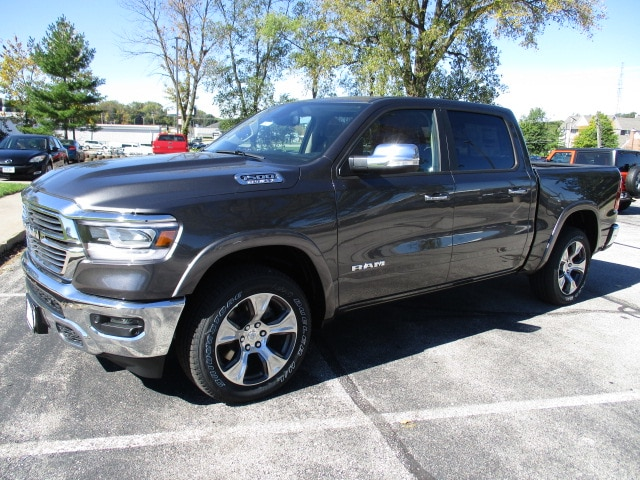 2019 Ram 1500 Crew Cab 4x4,  Pickup #D190179 - photo 4