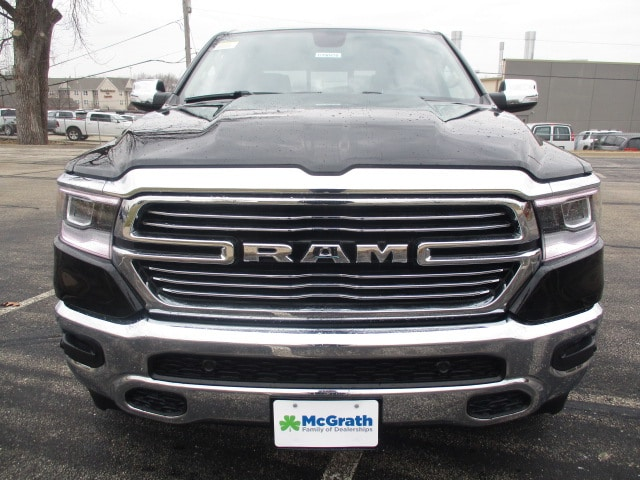 2019 Ram 1500 Crew Cab 4x4,  Pickup #D190470 - photo 3