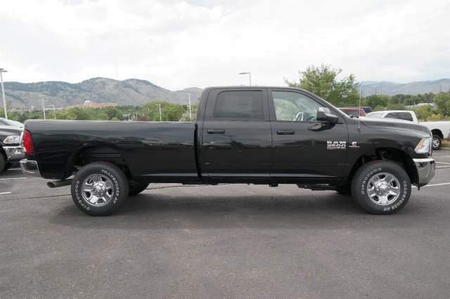 2017 Ram 3500 Crew Cab 4x4 Pickup #171020 - photo 4