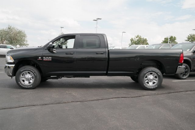 2017 Ram 3500 Crew Cab 4x4 Pickup #171020 - photo 7