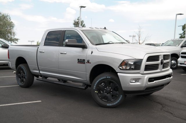 2017 Ram 3500 Crew Cab 4x4, Pickup #171079 - photo 3