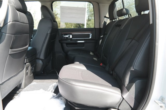 2017 Ram 3500 Crew Cab 4x4, Pickup #171105 - photo 11