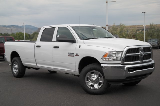 2017 Ram 3500 Crew Cab 4x4, Pickup #171158 - photo 3