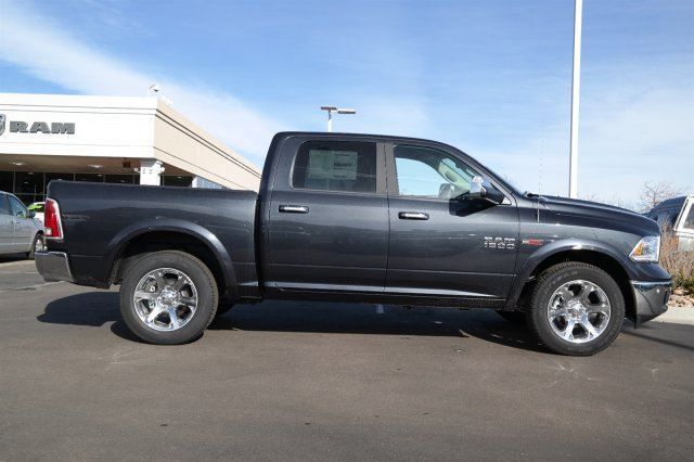 2017 Ram 1500 Crew Cab 4x4, Pickup #171241 - photo 3