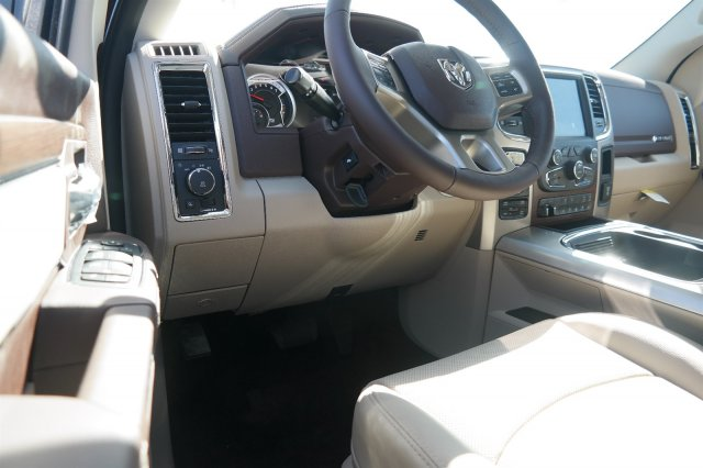 2017 Ram 1500 Crew Cab 4x4, Pickup #17500 - photo 17