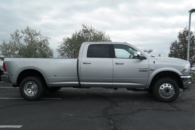 2018 Ram 3500 Crew Cab DRW 4x4 Pickup #18068 - photo 3