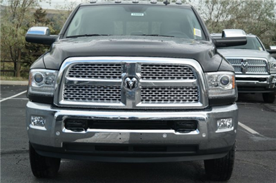 2018 Ram 3500 Crew Cab DRW 4x4 Pickup #18069 - photo 5