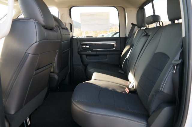2018 Ram 3500 Crew Cab 4x4 Pickup #18121 - photo 11