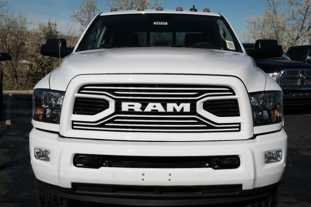 2018 Ram 3500 Crew Cab 4x4 Pickup #18121 - photo 8