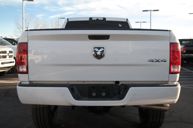 2018 Ram 3500 Crew Cab 4x4 Pickup #18175 - photo 6