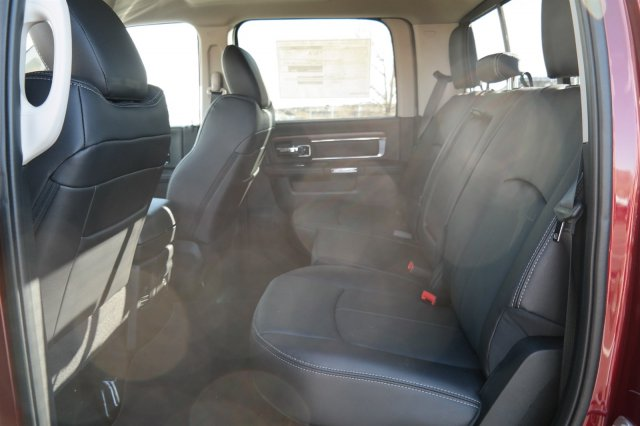 2018 Ram 3500 Crew Cab DRW 4x4 Pickup #18210 - photo 11