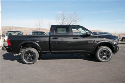 2018 Ram 3500 Crew Cab 4x4, Pickup #18211 - photo 4
