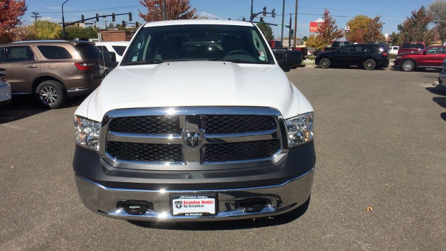 2018 Ram 1500 Crew Cab 4x4, Pickup #R2000 - photo 3