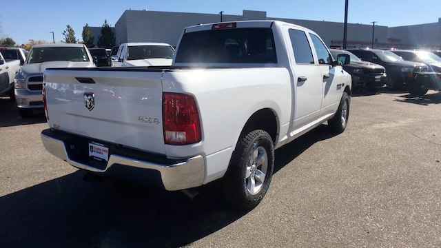 2018 Ram 1500 Crew Cab 4x4, Pickup #R2000 - photo 2