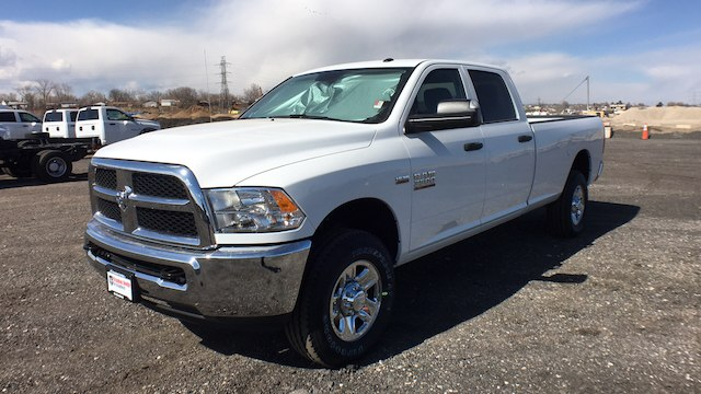 2018 Ram 3500 Crew Cab 4x4, Pickup #R2282 - photo 4