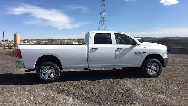 2018 Ram 3500 Crew Cab 4x4, Pickup #R2282 - photo 9