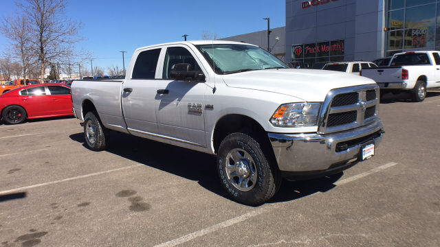 2018 Ram 3500 Crew Cab 4x4, Pickup #R2295 - photo 9