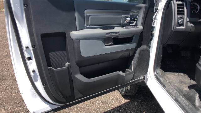 2018 Ram 5500 Regular Cab DRW 4x4,  Cab Chassis #R2428 - photo 5