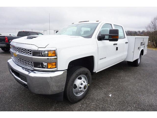 2019 Silverado 3500 Crew Cab DRW 4x2,  Reading Service Body #162651 - photo 5