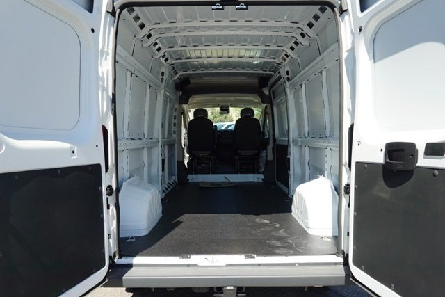 2018 ProMaster 2500 High Roof FWD,  Empty Cargo Van #6872K - photo 2