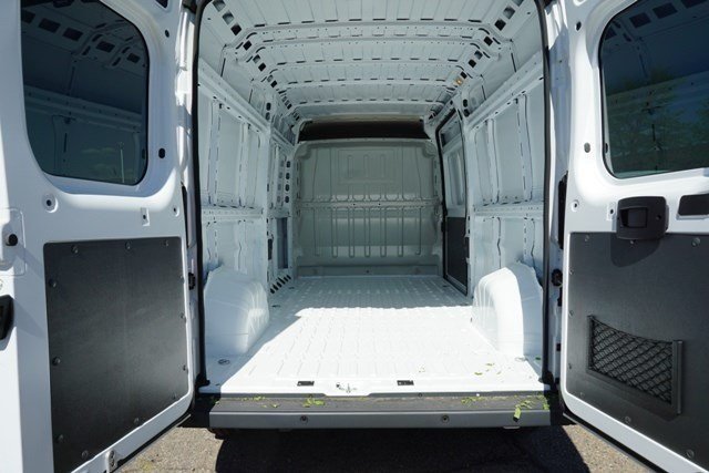 2018 ProMaster 2500 High Roof 4x2,  Empty Cargo Van #6873K - photo 2