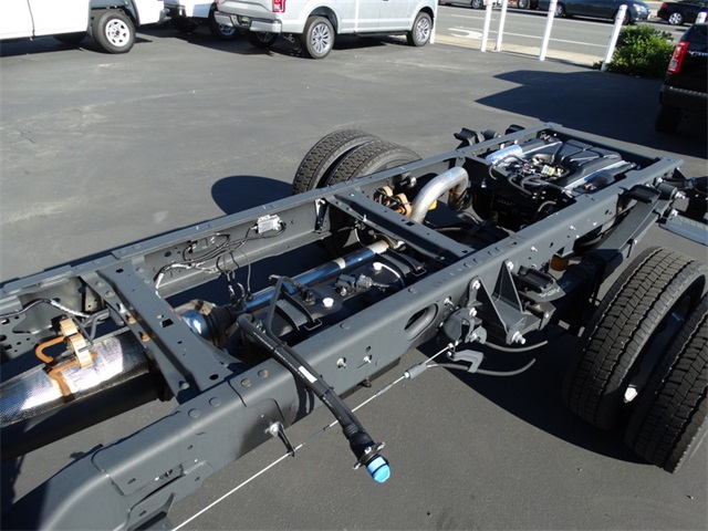 2017 F-550 Regular Cab DRW Cab Chassis #HEB22572 - photo 15