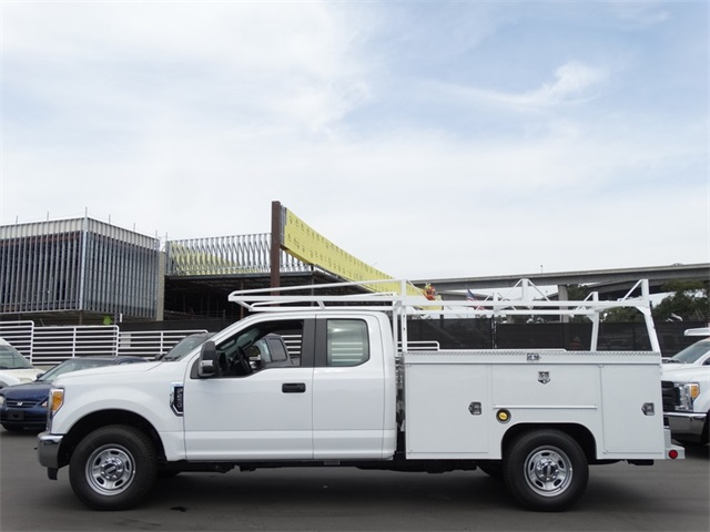 2017 F-250 Super Cab Service Body #HEE66235 - photo 3