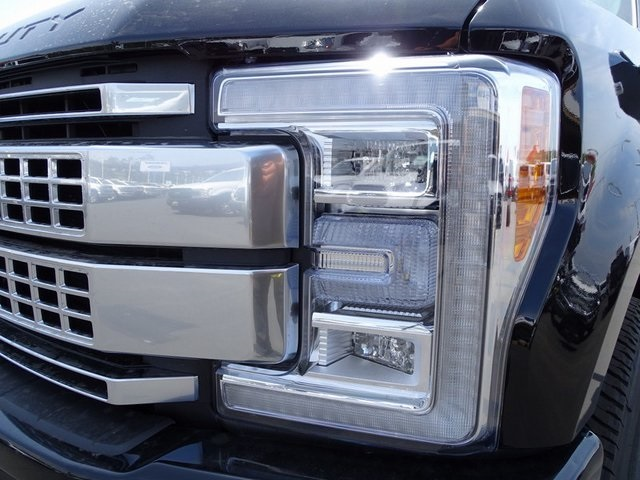 2018 F-250 Crew Cab 4x4, Pickup #JEB96681 - photo 34