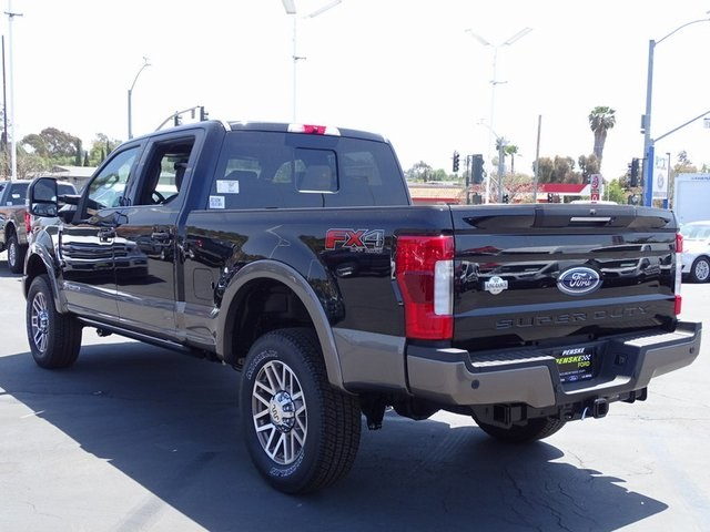 2018 F-250 Crew Cab 4x4, Pickup #JEC19296 - photo 28