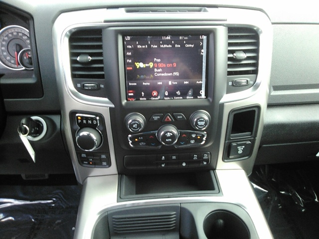 2018 Ram 1500 Crew Cab 4x4, Pickup #E20037 - photo 11