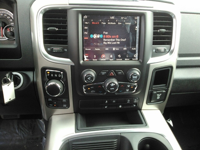2018 Ram 1500 Crew Cab 4x4 Pickup #E20045 - photo 13