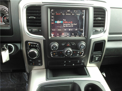2018 Ram 1500 Crew Cab 4x4 Pickup #E20045 - photo 18