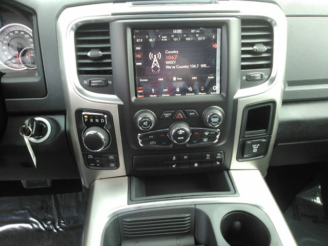 2018 Ram 1500 Crew Cab 4x4 Pickup #E20047 - photo 13
