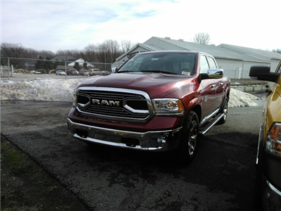 2018 Ram 1500 Crew Cab 4x4 Pickup #E20388 - photo 3