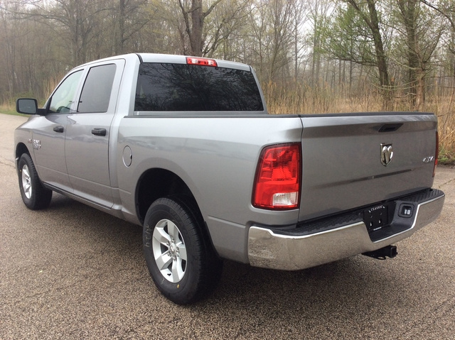 2019 Ram 1500 Crew Cab 4x4,  Pickup #E21977 - photo 1