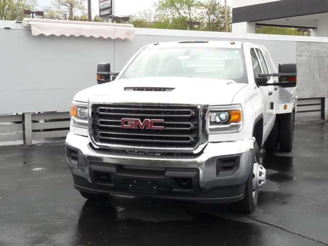 2018 Sierra 3500 Crew Cab DRW 4x4, Hillsboro Platform Body #40132 - photo 4