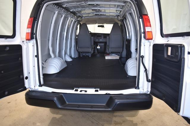 2021 GMC Savana 2500 4x2, Empty Cargo Van #43073 - photo 2